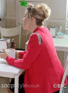 SoapStyle.co.uk - EastEnders - Linda's Pink Blazer - On Screen