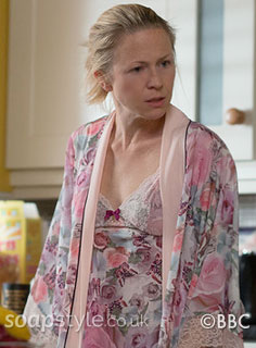 SoapStyle.co.uk - EastEnders - Linda Carter Night Gown - On Screen