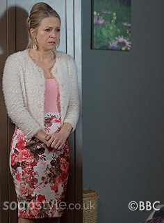 soapstyle-eastenders-linda-floral-skirt-dress-episode