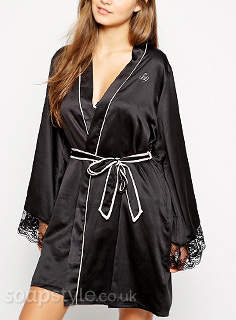 Tracy's Black & White Dressing Gown / Robe - Corrie - SoapStyle