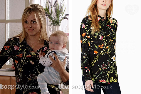 Picture of Sarah Platt wearing her black floral shirt in Coronation Street