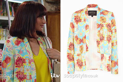 Leyla wearing her blue floral print blazer on TV in Emmerdale